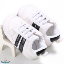 Baba sportcipő kocsicipő fehér színben