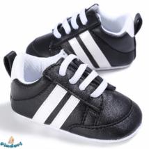 Baba sportcipő kocsicipő fekete színben