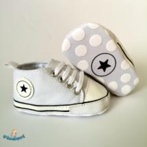 Baba tornacipő kocsicipő fehér 0-6 hós
